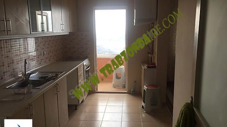 شقة رخيصة اطلالة للبيع في طرابزون