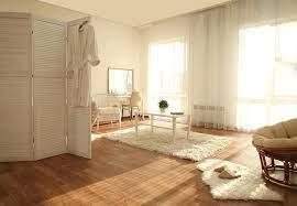 ما هي مزايا وعيوب البيت ذات الاطلالة الشمسية؟